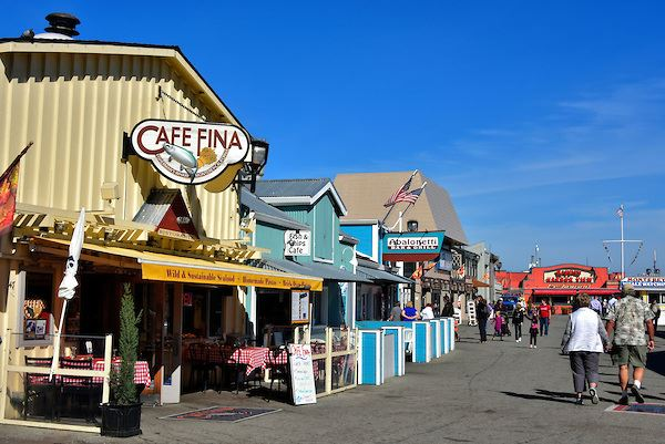 California-Monterey-Strolling-Old-Fishermans-Wharf